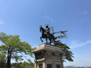仙台で記念撮影といえば、やはりこれでしょう。だーてだてだて伊達ちゃんです(違)。