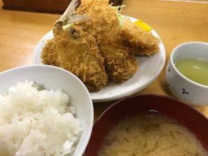 ミックスフライ定食800円(烏賊、鯵、ヒレ肉と玉ねぎの串)