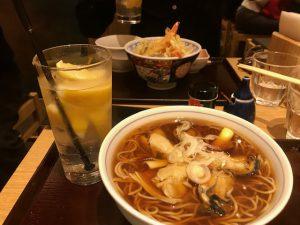 牡蠣蕎麦と限定天丼のランチセットw凍結レモンサワー